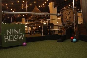 nine below milwaukee indoor golf facility.jpg