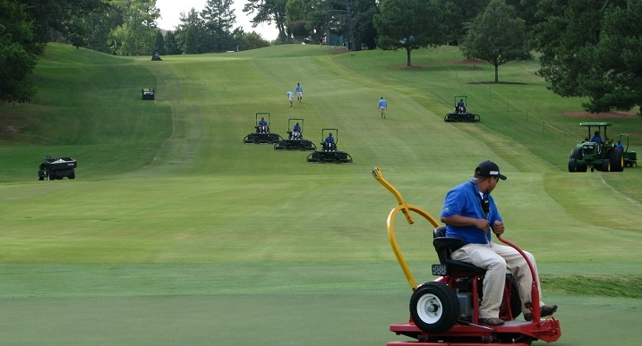 Golf jobs: 15 different jobs at a golf course